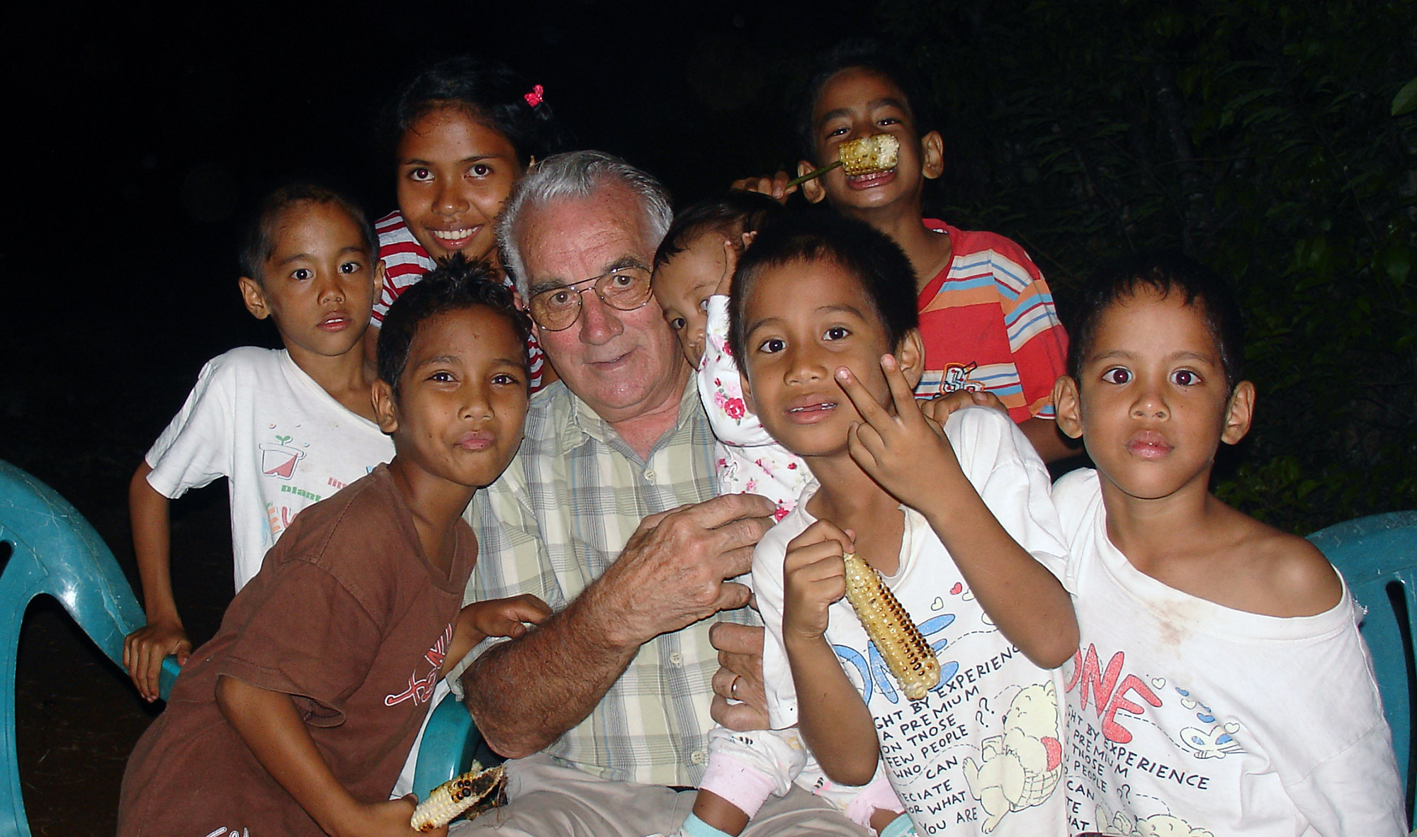 Bill Sommer with the children.